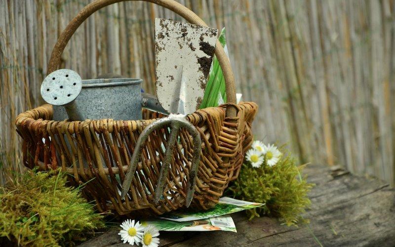 pribor za vrtlarenje
